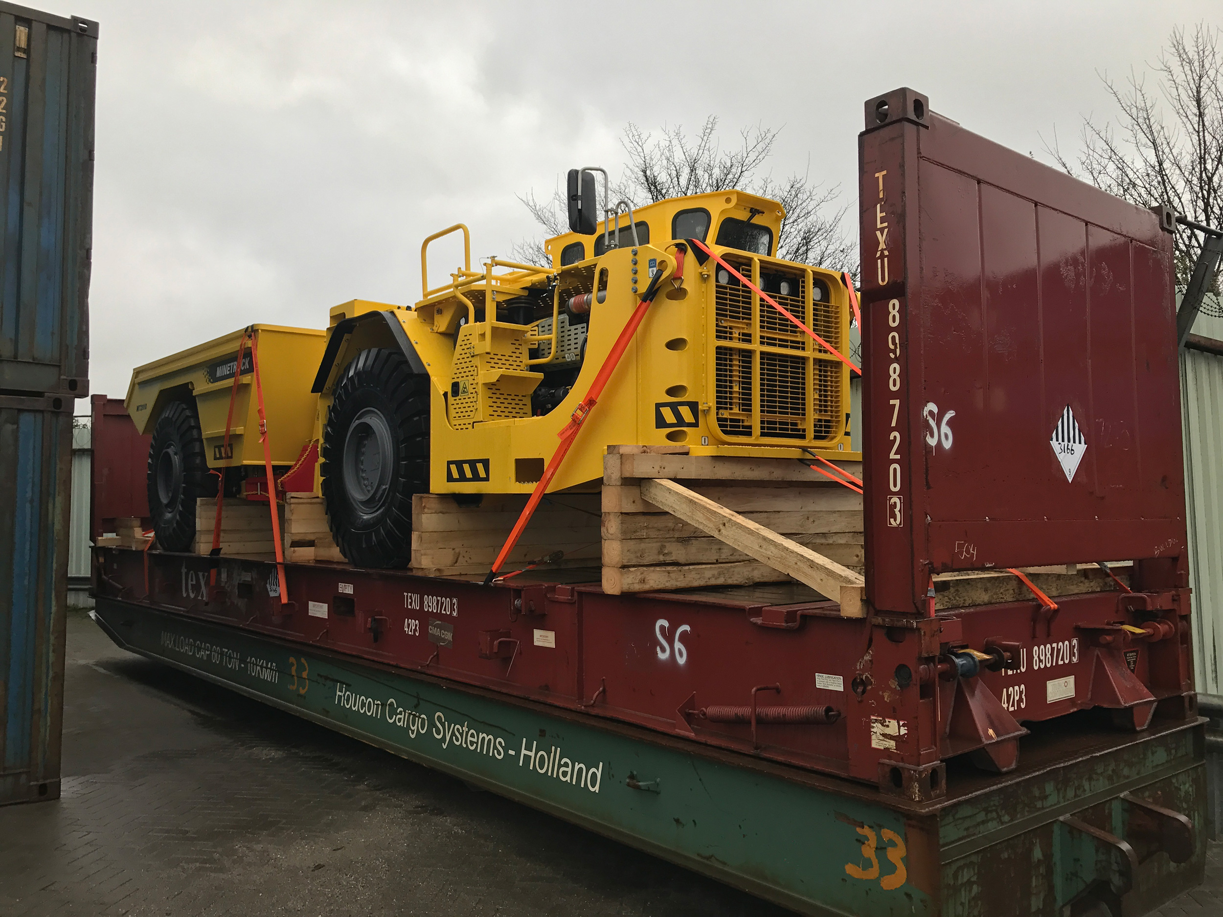 Delivery of mining machinery 2b